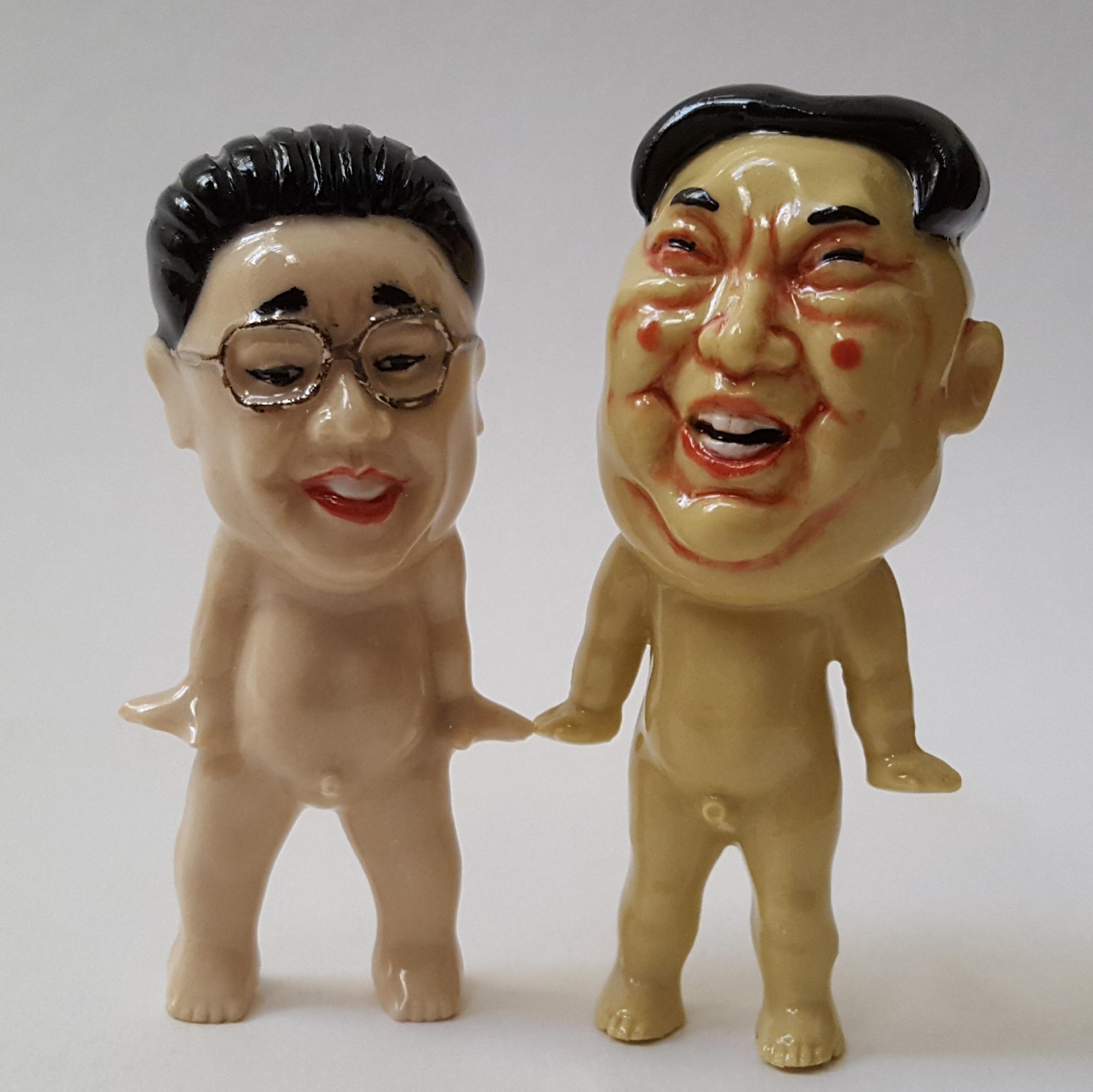 "RUSSELL BILES, ""Kim Jong Il, Kim Joug Un""; 2018; slipcast porcelain; 3""h."