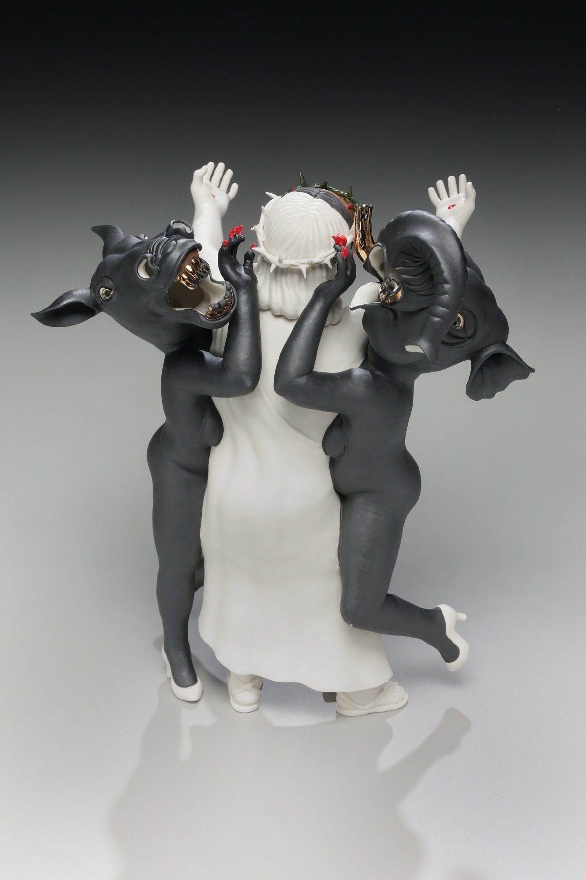 "RUSSELL BILES;""Catfight"";2011;hand built porcelain;h11""; photo Tim Barnwell."